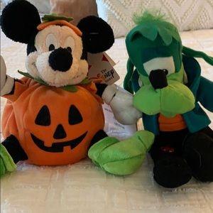 Halloween Disney Plushies!  🎃